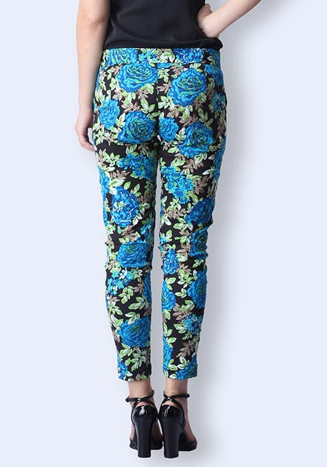 Blue Blooms Cropped Pants