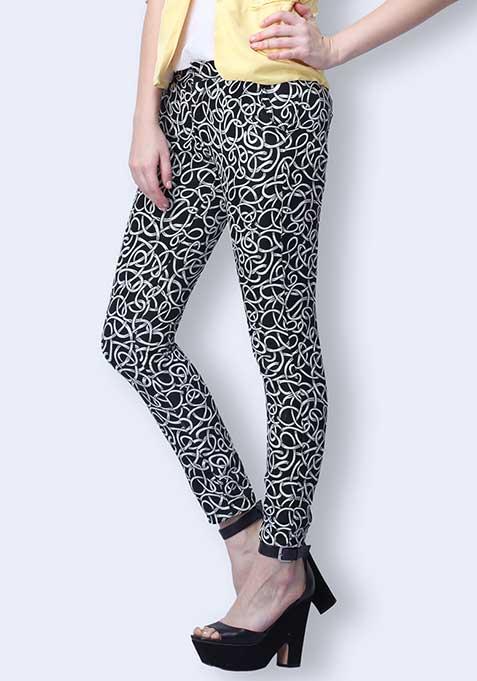 Jacquard Dreams Cropped Pants - Black